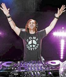 David Guetta pinchando.
