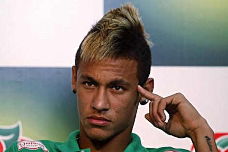 El jugador del Santos Neymar. | Reuters