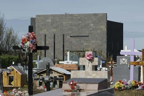El cementerio de Río Gallegos con el mausoleo de los Kirchner al fondo. | Efe