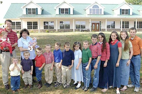 El matrimonio cristiano de Arkansas, con su prole. | TLC