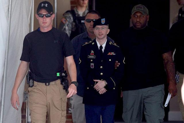 El soldado Manning, a la salida del juicio. | Afp