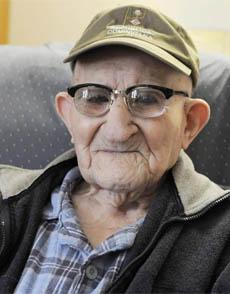 Fallece Salustiano Sánchez, el hombre más longevo del mundo con 112 años 1379232218_extras_ladillos_1_0