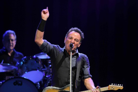 Bruce Springsteen, en su concierto de ayer en Sevilla. / Carlos Mrquez 