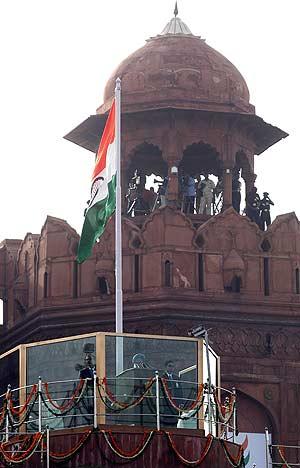 El primer ministro indio pronuncia su discurso en el Fuerte Rojo de Nueva Delhi. (Foto: AFP)