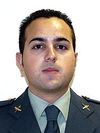 Fotografía del guardia civil Raúl Centeno. (Foto: EFE)