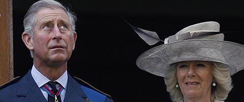 El príncipe Carlos y su esposa. (Foto: REUTERS)