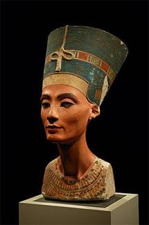 El busto de Nefertiti. | Wikimedia Commons