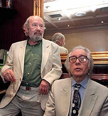 El poeta, junto a Francisco Umbral. | Jaime Villanueva