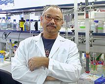 Juan José Calvete, investigador del CSIC.
