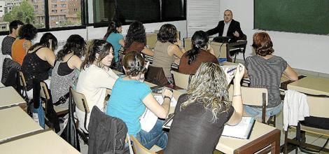 Seminario con doce alumnos.| David Farto