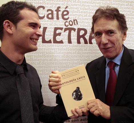 César Tejedor y Henri Peña-Ruiz durante la presentación del libro. / Enrique Carrascal