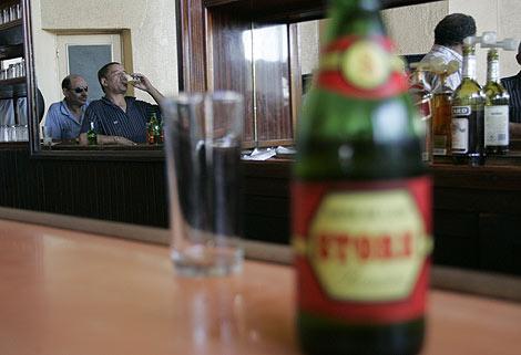 Salven al marido del alcohol