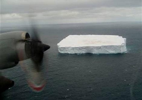 Los icebergs fueron avistados por un avión de las Fuerzas Aéreas de Nueva Zelanda. | New Zealand Defence Force