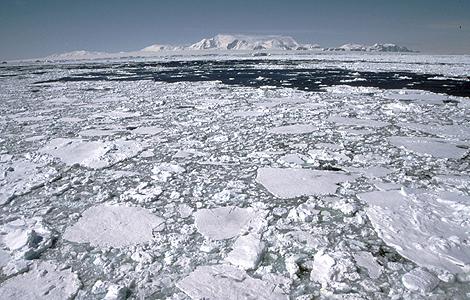 El agujero de ozono llevaría protegiendo 30 años a la Antártida. | Efe