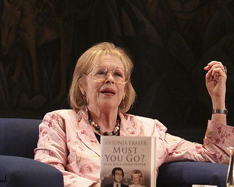Antonia Fraser, viuda de Pinter, en la presentación de su libro en Ciudad de México. | Efe