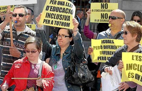 Mnigfestación en Barclona a favor d ela educación inclusiva. | Efe