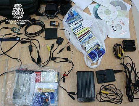 Algunos de los objetos intervenidos a la red. | Ministerio del Interior