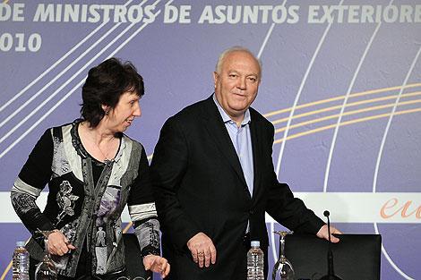 Miguel Ángel Moratinos, con Catherine Ashton en Córdoba. | AP