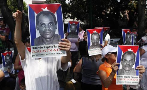 Protestas tras la muerte del disidente Orlando Zapata. | AP