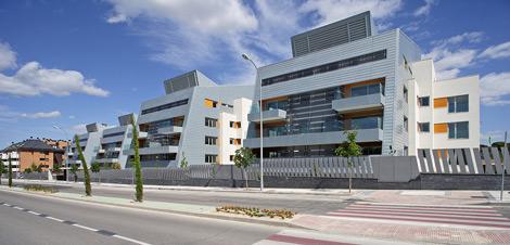 Complejo residencial diseñado por el Estudio de Rafael De la Hoz  en Majadahonda. | Elmundo.es