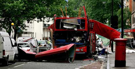 El autobús atacado en los atentados londineses de 2005. | Reuters
