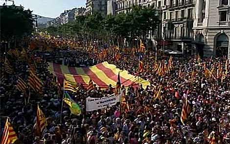 Imagen de la cabecera de la manifestación en Barcelona. | TV3