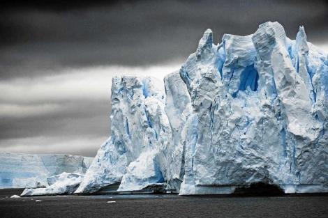 Vista de un bloque de hielo en la Antártida. | Sebastian Copeland