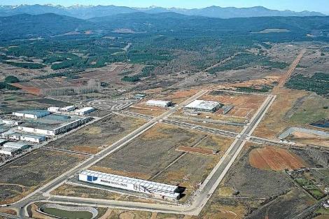 Vista del nuevo polígono industrial de El Bayo, en la localidad leonesa de Cubillos del Sil. | EL MUNDO