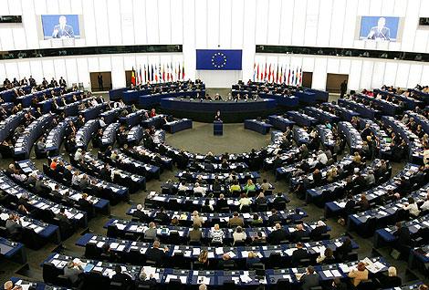 Imagen del pleno del Parlamento durante el debate con Barroso. | Reuters