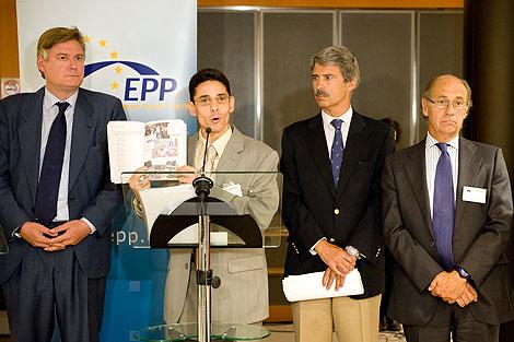 Día a día sobre la situación de los ex presos políticos desterrados a España - Página 3 1284393070_0
