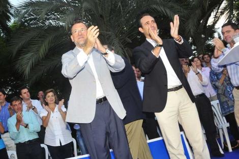 Mariano Rajoyo junto a José Ramón Bauzá en Palma. | Alberto Vera