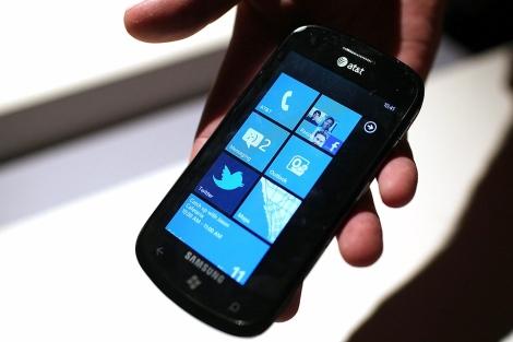 Imagen de un teléfono con el nuevo sistema operativo. | Afp