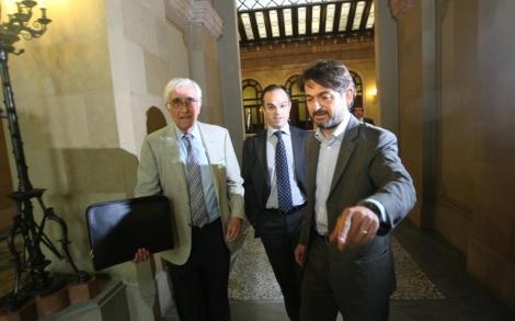 Osàcar, a la izquierda, acompañado de Jordi Turull y Oriol Pujol.| Q. García