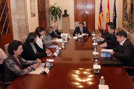 Antich reunido el pasado 23 de noviembre con el Bloc, la OCB y el STEI para hablar del Plan de Normalización Lingüística.