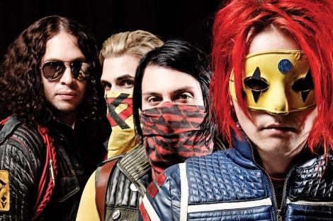 Los integrantes de My Chemical Romance renuevan su música y su estética en su nuevo álbum.