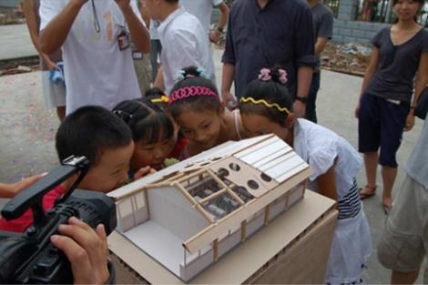 Prototipo de los refugios de Shigeru Ban para Haití.| Abitare