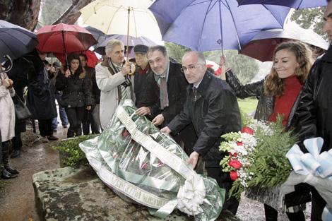 Momento del homenaje al escritor de Vilanova en Boisaca. | Xoan Rey