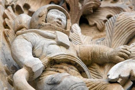 El astronauta en la fachada de la Catedral de Salamanca es la figura más conocida. | Carrascal
