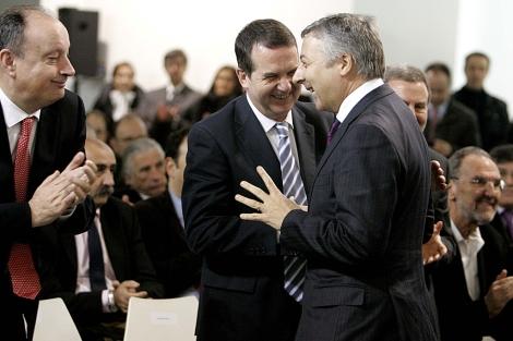 Caballero y Blanco, en la última visita del ministro de Fomento, el 15 de febrero. | Rosa González