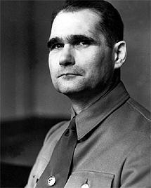 Rudolf Hess en su etapa nazi.| AFP