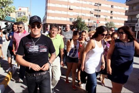 Alejandro Sanz durante su visita este domingo a Lorca. | Efe