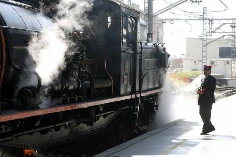 La ruta se desarrolla, en parte, a bordo de una locomotora de vapor. | El Mundo
