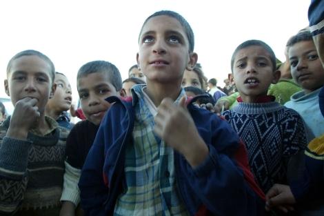 Niños del asentamiento marroquí conocido como 'Pueblo Perdido', cercano a Melilla.| J.F. Ferrer