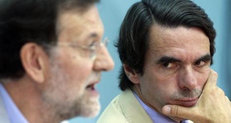 Mariano Rajoy (i) y José María Aznar, en un acto de FAES. | Javier Barbancho