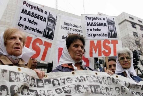 Una empresa española pide la quiebra de la 'Fundación Madres de la Plaza de Mayo' 1317747983_0