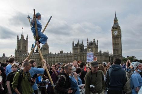 La movilización se ha concentrado frente al Parlamento británico. | Foto: C. F.