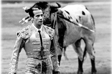 Antoñete, en la faena al toro blanco de Osborne, en San Isidro de 1966.