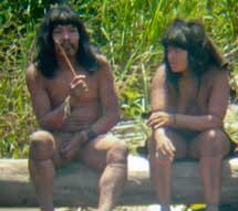 Indígenas mashco-piro, uno con el rascador. |D. Cortijo