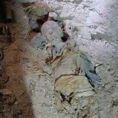 Una de las momias halladas en la tumb de Hery. | R.M.T.