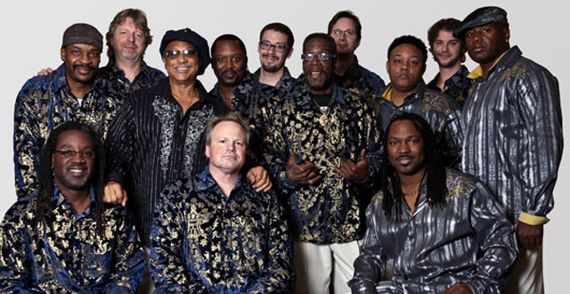 Los componentes de Earth, Wind and Fire experience. | E.M.
